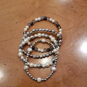 Sivertone/Pearly strech Bracelet Set